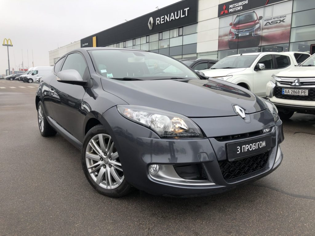 Renault Megane Coupeфото