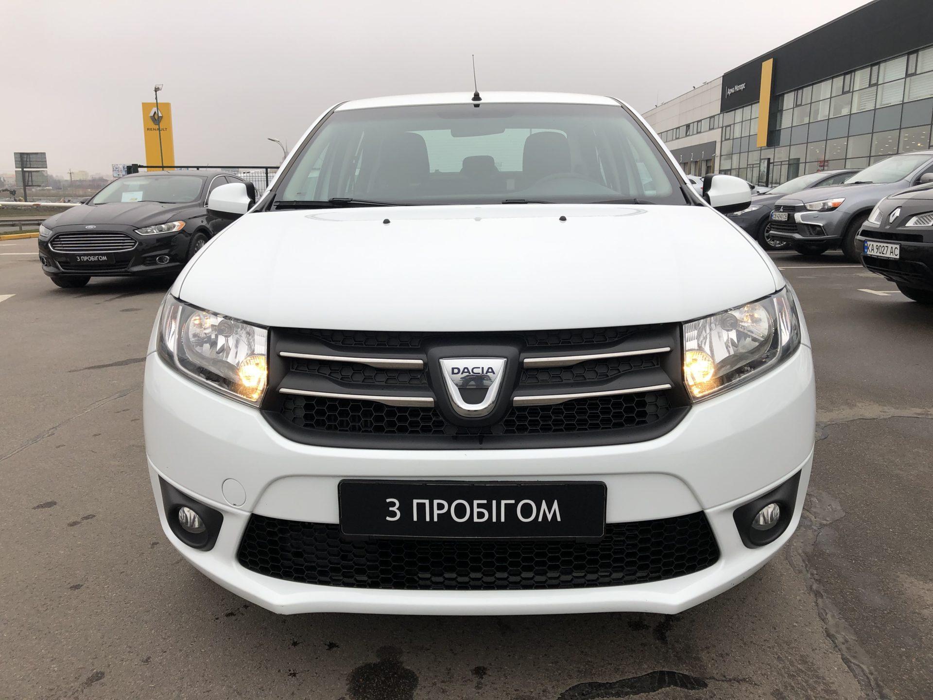 Dacia Logan фото 1