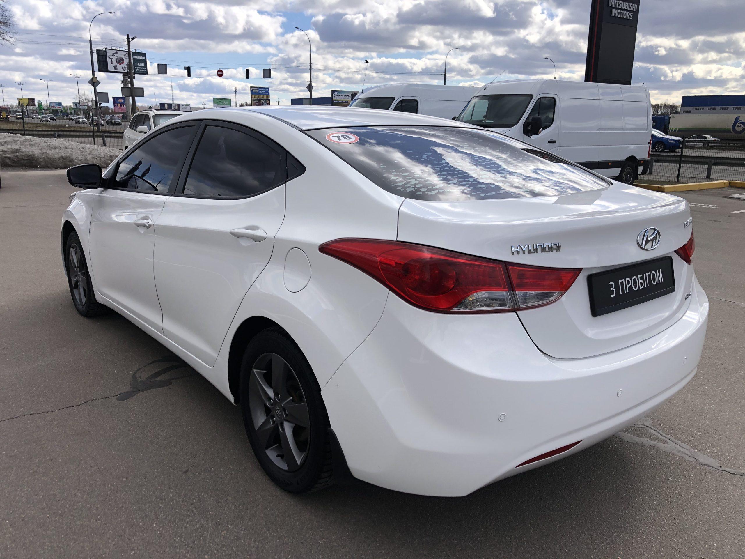 Hyundai Elantra GLS фото 4
