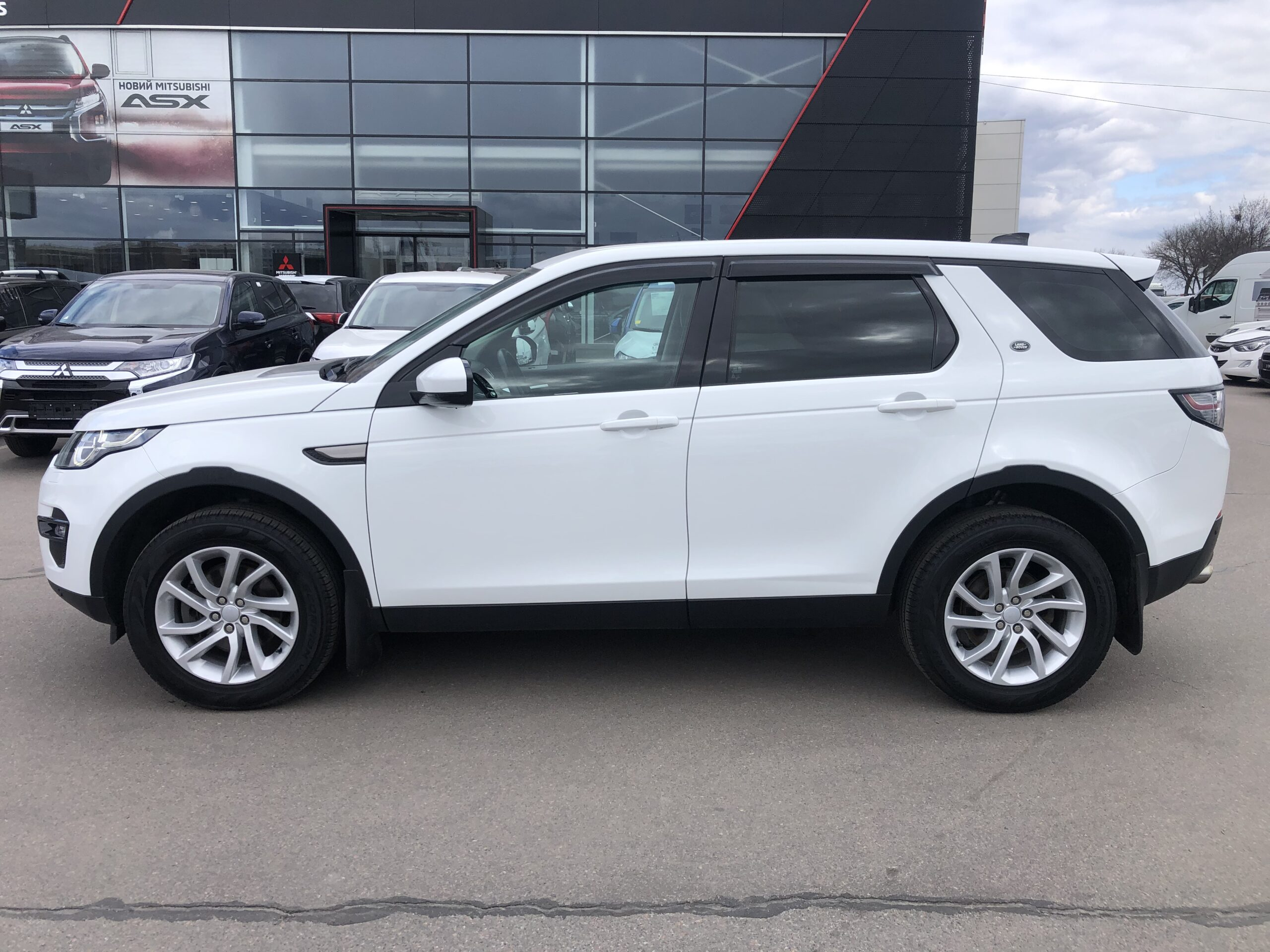 Land Rover Discovery Sport фото 3