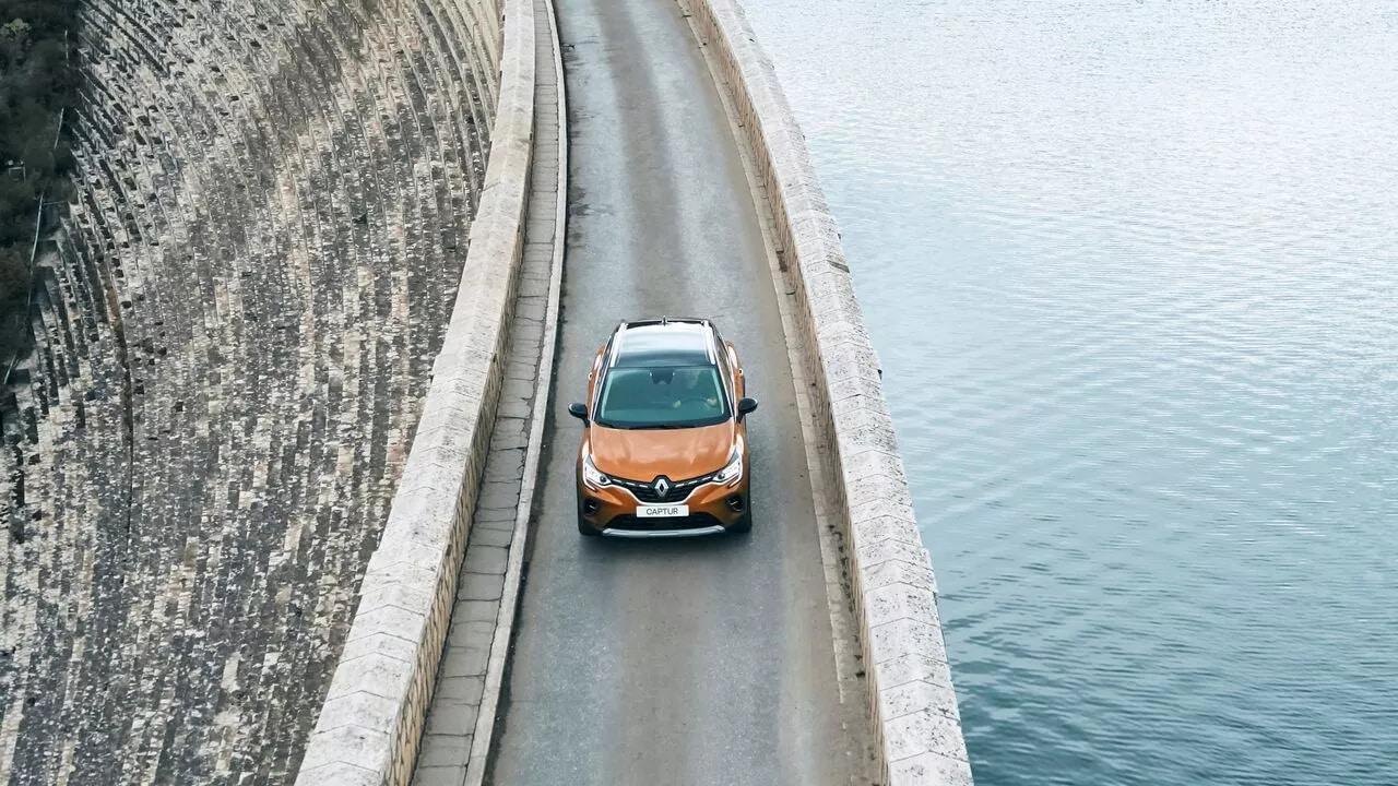 Новый Renault CAPTUR фото екстер'єру 8