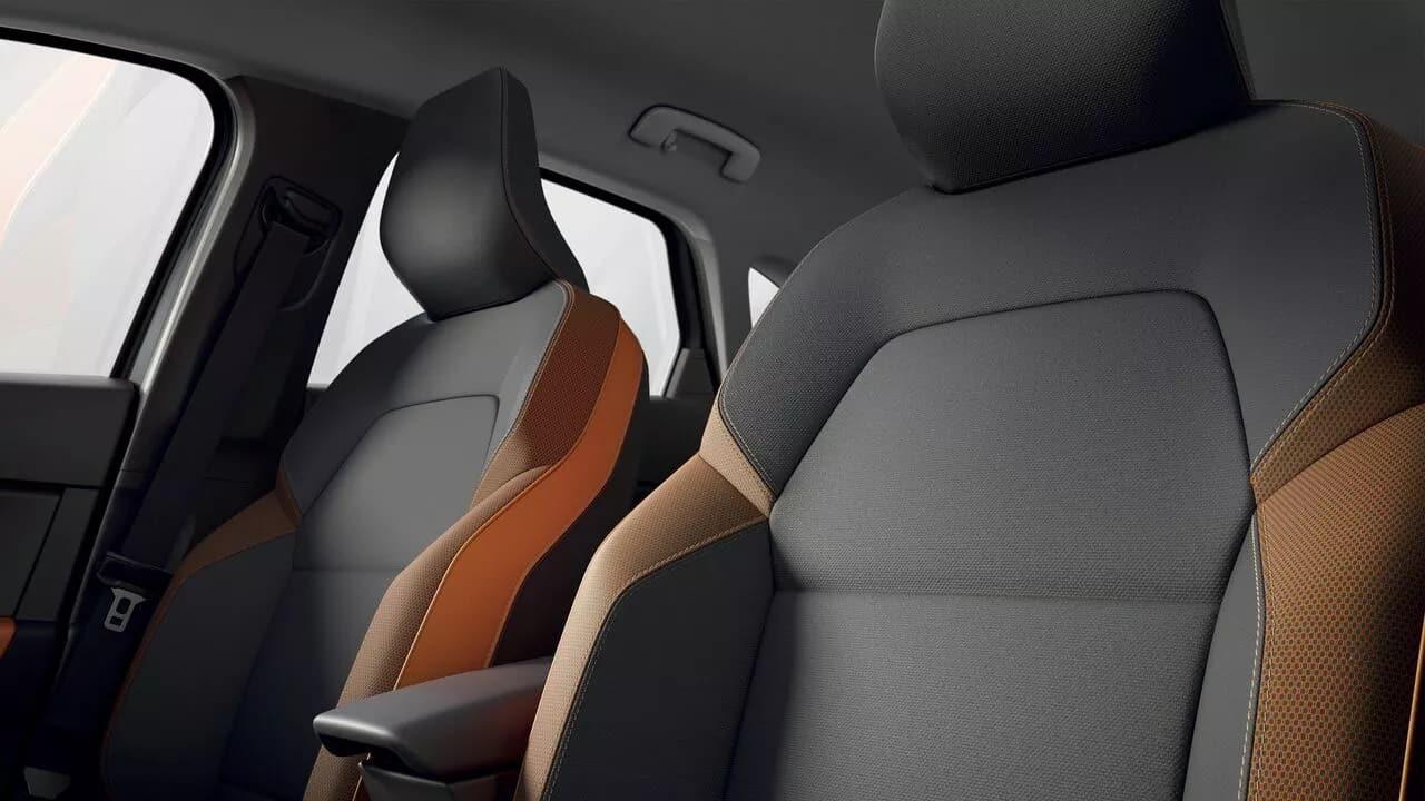 Новый Renault CAPTUR  фото интерьера 2